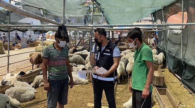 İzmir'de kurban pazarlarından sahte para uyarısı