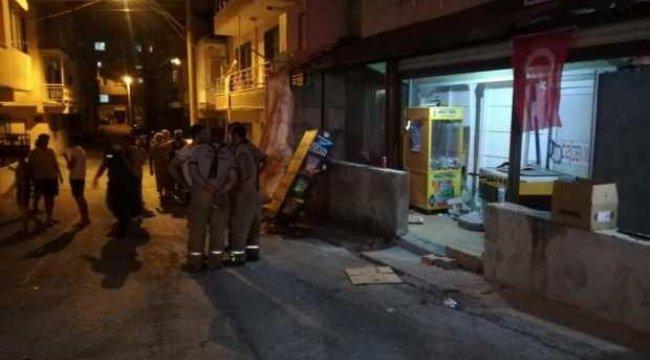İzmir'de çakmak gazı çekerlerken patlama yaşandı: 4 yaralı