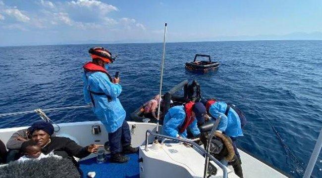 İzmir Menderes açıklarında 28 kaçak göçmen kurtarıldı